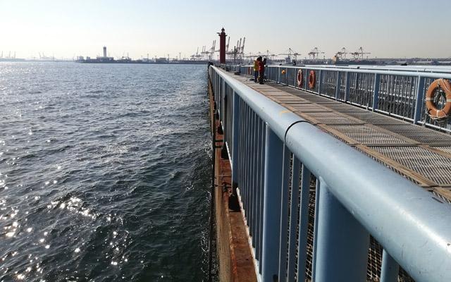 大黒海釣り施設の外側